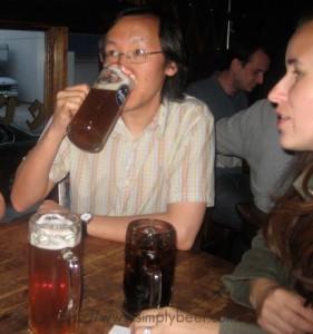 Allan Drinking Dunkle Weisse